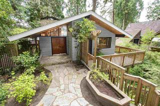 Photo 1: 2814 PANORAMA Drive in North Vancouver: Deep Cove House for sale : MLS®# R2457473