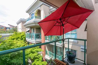 """Photo 14: 322 332 LONSDALE Avenue in North Vancouver: Lower Lonsdale Condo for sale in """"CALYPSO"""" : MLS®# R2275459"""