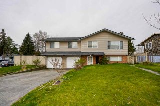 Photo 1: 8963 CRICHTON Drive in Surrey: Bear Creek Green Timbers House for sale : MLS®# R2561953