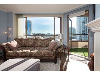 """Photo 7: 810 15111 RUSSELL Avenue: White Rock Condo for sale in """"Pacific Terrace"""" (South Surrey White Rock)  : MLS®# R2511830"""