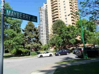 """Photo 2: 306 4200 MAYBERRY Street in Burnaby: Metrotown Condo for sale in """"TIMES SQUARE"""" (Burnaby South)  : MLS®# R2564955"""