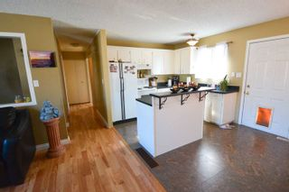 Photo 2: 8223 98 Avenue in Fort St. John: House for sale