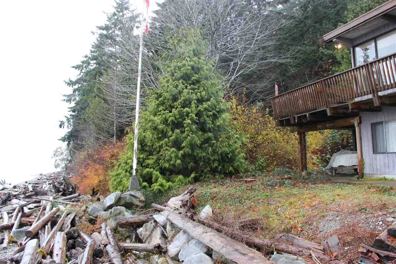 """Main Photo: 2027 CASSIDY Road: Roberts Creek House for sale in """"CLOSE TO CAMP BYNG"""" (Sunshine Coast)  : MLS®# R2223864"""