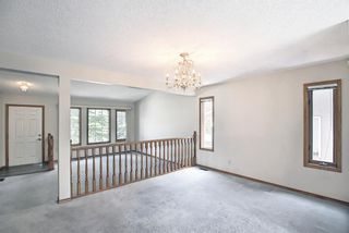 Photo 6: 52 Shawnee Way SW in Calgary: Shawnee Slopes Detached for sale : MLS®# A1117428