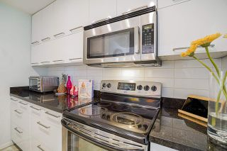 """Photo 13: 204 3 K DE K Court in New Westminster: Quay Condo for sale in """"QUAYSIDE TERRACE"""" : MLS®# R2558726"""