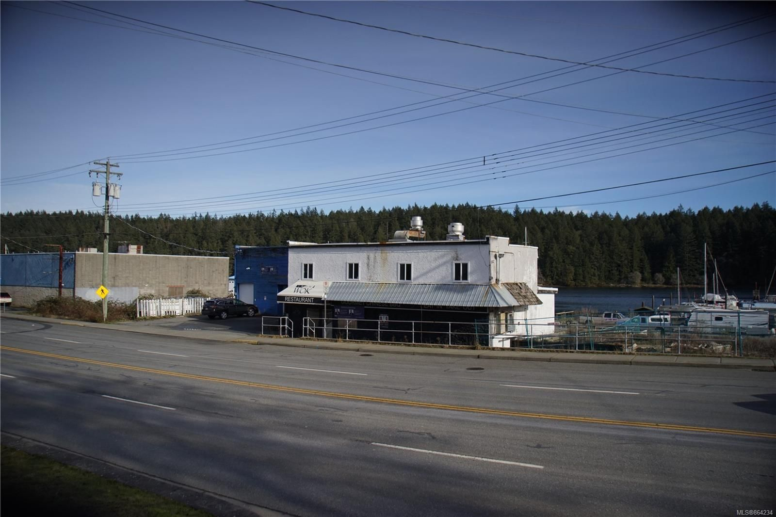 Main Photo: 1340-1350 STEWART Ave in : Na Brechin Hill Mixed Use for sale (Nanaimo)  : MLS®# 864234