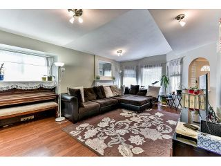 """Photo 2: 162 15501 89A Avenue in Surrey: Fleetwood Tynehead Townhouse for sale in """"AVONDALE"""" : MLS®# R2058419"""