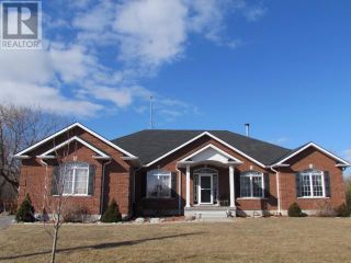 Photo 2: 222 LAKESHORE Road in BRIGHTON TWP: House for lease : MLS®# QR21502185