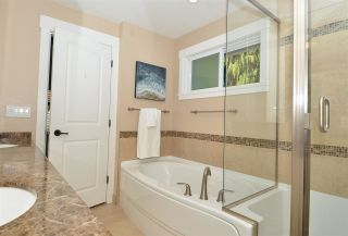 """Photo 6: 15478 COLUMBIA Avenue: White Rock House for sale in """"Hillside"""" (South Surrey White Rock)  : MLS®# R2572155"""