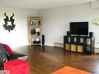 Photo 2: 203 1390 MERKLIN Street in South Surrey White Rock: White Rock Home for sale ()  : MLS®# F1227910