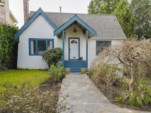 """Main Photo: 3090 W 45TH Avenue in Vancouver: Kerrisdale House for sale in """"Kerrisdale"""" (Vancouver West)  : MLS®# V1112063"""