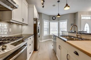 Photo 6: 93 SOMME Boulevard SW in Calgary: Garrison Woods Row/Townhouse for sale : MLS®# C4241800