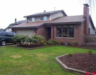 """Photo 1: 8445 SPENSER PL in Surrey: Bear Creek Green Timbers House for sale in """"FLEETWOOD"""" : MLS®# F2602129"""