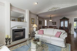 Photo 4: 734 Banwell Crt in : PQ Qualicum Beach House for sale (Parksville/Qualicum)  : MLS®# 876496