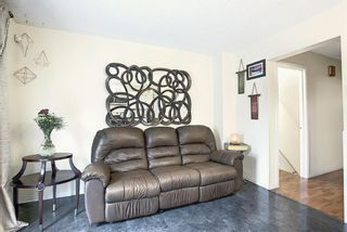 Photo 11: 73 CEDARDALE Crescent SW in Calgary: Cedarbrae Semi Detached for sale : MLS®# A1037237