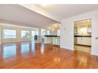 Photo 3: 15123 COLUMBIA Avenue: White Rock House for sale (South Surrey White Rock)  : MLS®# R2424989