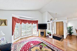 Photo 3: 112 Martinridge Crescent NE in Calgary: Martindale Detached for sale : MLS®# A1148113