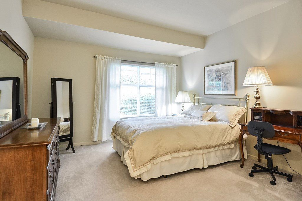 """Photo 12: Photos: 22 14877 33RD Avenue in Surrey: King George Corridor Townhouse for sale in """"Sandhurst"""" (South Surrey White Rock)  : MLS®# R2206509"""