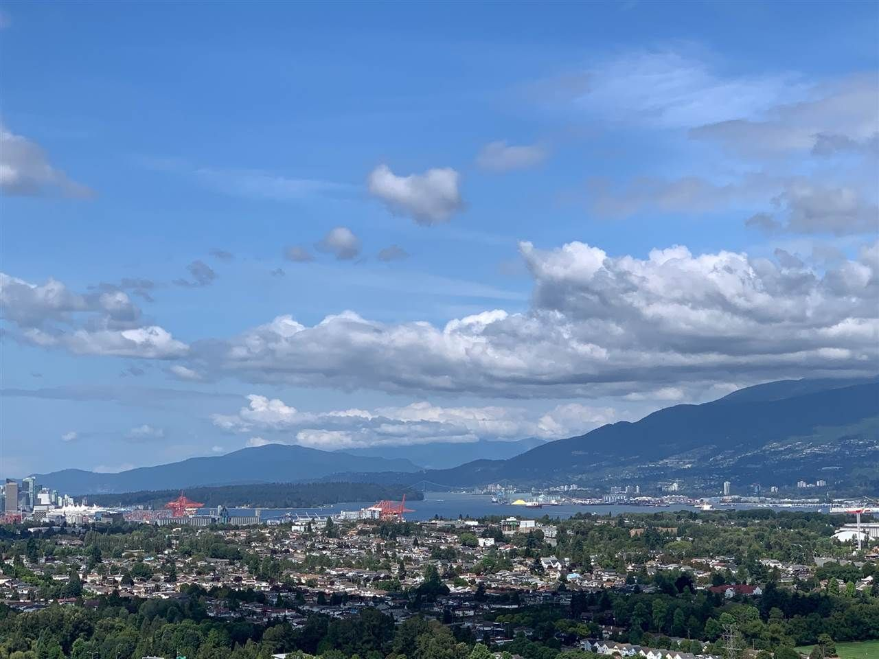 """Main Photo: 3407 1788 GILMORE Avenue in Burnaby: Brentwood Park Condo for sale in """"ESCALA"""" (Burnaby North)  : MLS®# R2571199"""