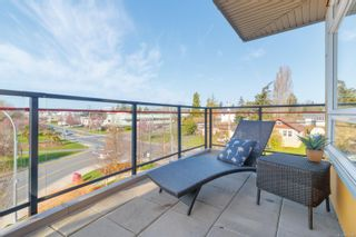 Photo 15: 307 935 Cloverdale Ave in : SE Quadra Condo for sale (Saanich East)  : MLS®# 871310