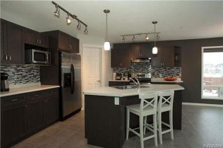 Photo 5: 90 Buckley Trow Bay in Winnipeg: River Park South Residential for sale (2F)  : MLS®# 1800955