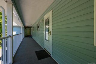Photo 3: 303 2730 S Island Hwy in : CR Willow Point Condo for sale (Campbell River)  : MLS®# 877067