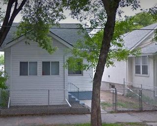 Photo 2: 605 Magnus Avenue in Winnipeg: North End Residential for sale (4A)  : MLS®# 202110440