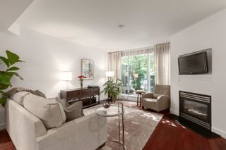 """Photo 1: 1409 W 7TH Avenue in Vancouver: Fairview VW Townhouse for sale in """"Sienna @ Portico"""" (Vancouver West)  : MLS®# R2615032"""
