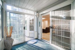 """Photo 18: 403 9119 154 Street in Surrey: Fleetwood Tynehead Townhouse for sale in """"LEXINGTON SQUARE"""" : MLS®# R2409703"""