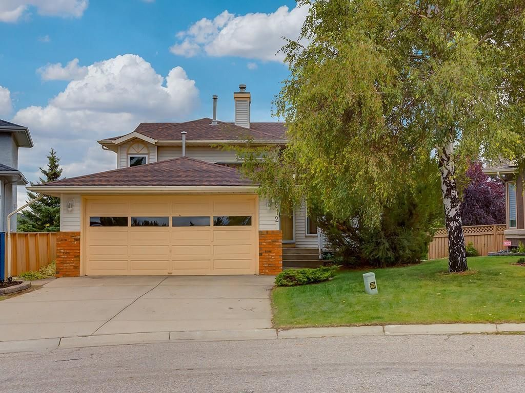 Main Photo: 212 MACEWAN VALLEY Mews NW in Calgary: MacEwan Glen Detached for sale : MLS®# C4281260