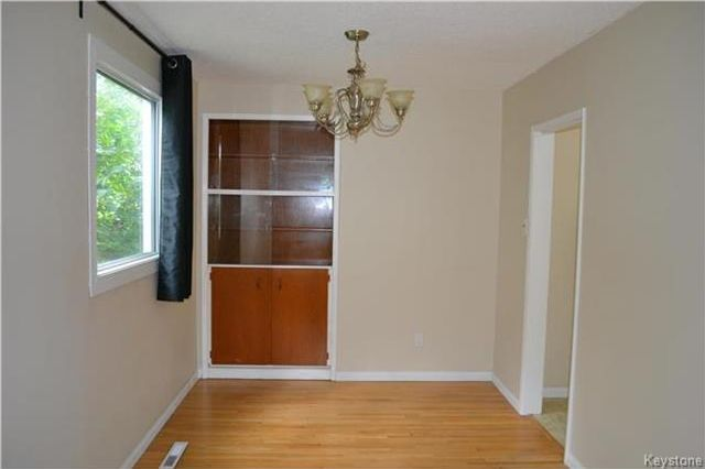 Photo 4: Photos: 339 Dussault Avenue in Winnipeg: Windsor Park Residential for sale (2G)  : MLS®# 1725085