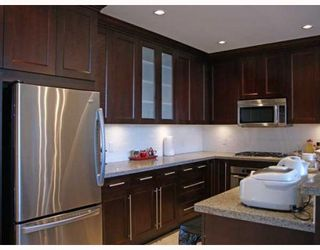 """Photo 3: 702 4759 VALLEY Drive in Vancouver: Quilchena Condo for sale in """"Marguerite House II"""" (Vancouver West)  : MLS®# V781306"""