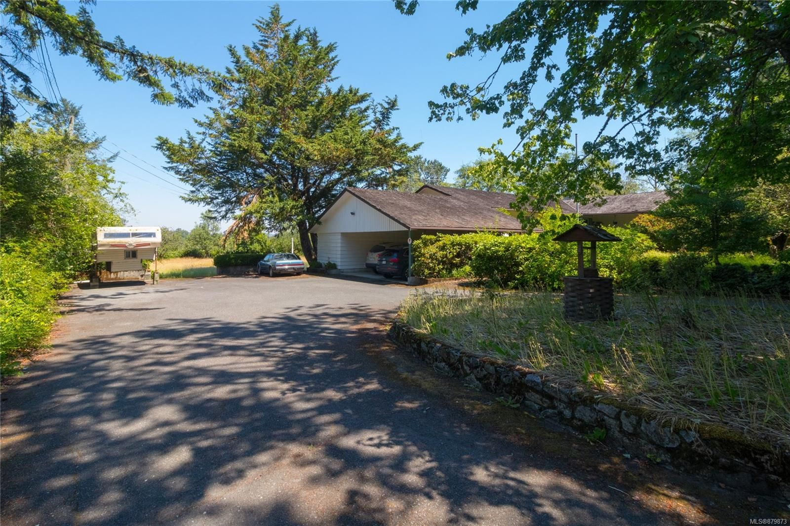Main Photo: 1070 McTavish Rd in : NS Ardmore House for sale (North Saanich)  : MLS®# 879873