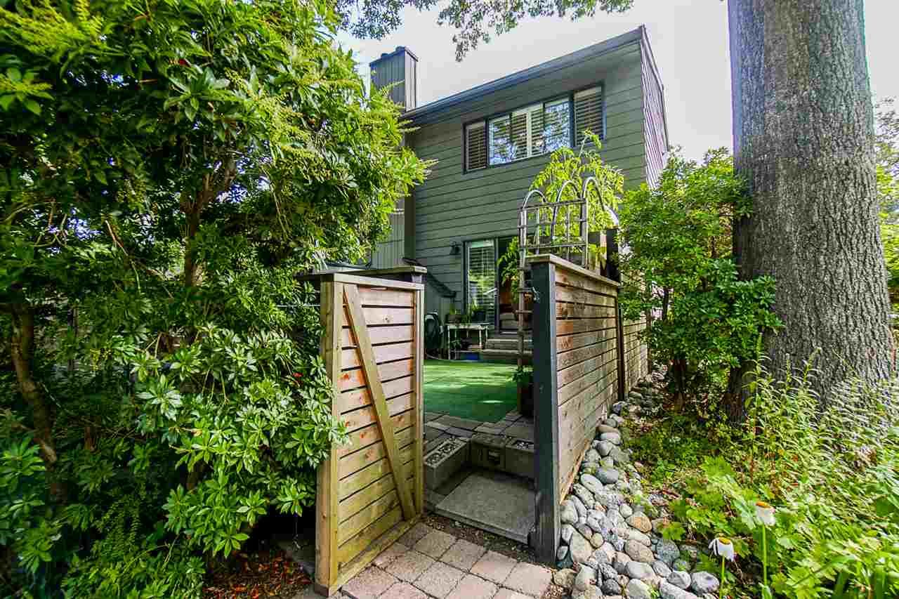 """Photo 33: Photos: 1 1960 RUFUS Drive in North Vancouver: Westlynn Townhouse for sale in """"Mountain Estates"""" : MLS®# R2487288"""