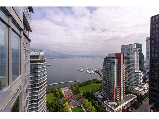 """Main Photo: 2804 1205 W HASTINGS Street in Vancouver: Coal Harbour Condo for sale in """"CIELO"""" (Vancouver West)  : MLS®# V1026183"""