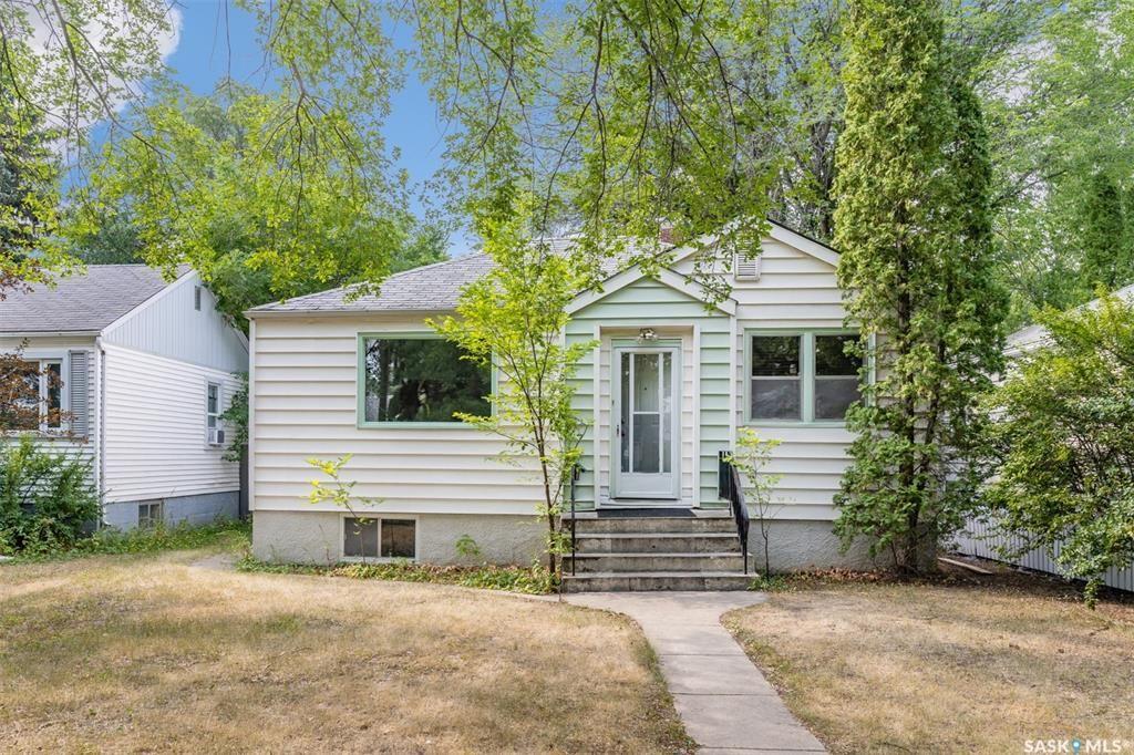 Main Photo: 904 7th Street East in Saskatoon: Haultain Residential for sale : MLS®# SK866208