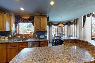 Photo 8: 327 Edgebrook Grove NW in Calgary: Edgemont Detached for sale : MLS®# A1074590