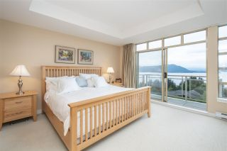 "Photo 13: 8520 SEASCAPE Court in West Vancouver: Howe Sound Townhouse for sale in ""Seascapes"" : MLS®# R2384600"