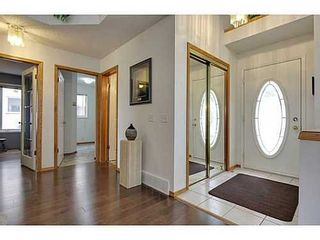 Photo 2: 147 EDGEBROOK Circle NW in Calgary: 2 Storey for sale : MLS®# C3580214