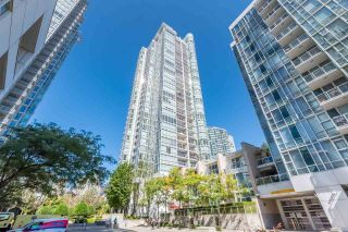 """Main Photo: 907 193 AQUARIUS Mews in Vancouver: Yaletown Condo for sale in """"Marinaside Residence"""" (Vancouver West)  : MLS®# R2599825"""