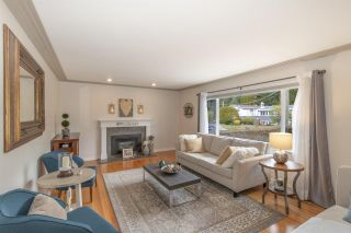 Photo 3: 614 DRAYCOTT Street in Coquitlam: Central Coquitlam House for sale : MLS®# R2561327
