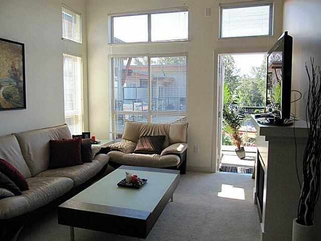 Main Photo: 413 1633 MACKAY Avenue in North Vancouver: Pemberton NV Condo for sale : MLS®# V993603