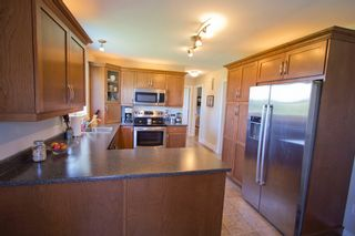 Photo 5: 107 Stanley Drive: Sackville House for sale : MLS®# M106742