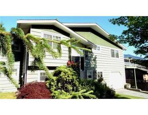 Main Photo: 40738 THUNDERBIRD RIDGE in Squamish: Garibaldi Highlands House for sale : MLS®# V857021