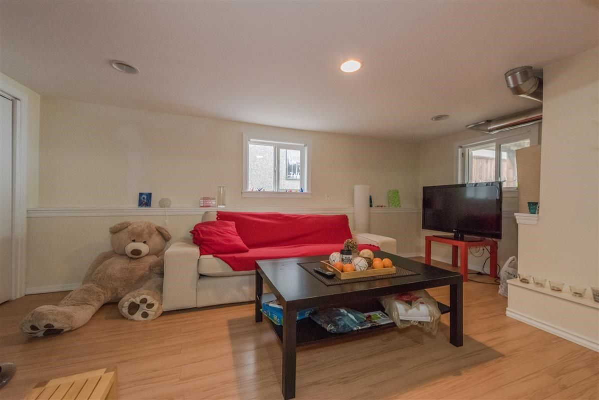 Photo 17: Photos: 2225 E 27TH AVENUE in Vancouver: Victoria VE House for sale (Vancouver East)  : MLS®# R2206387