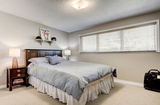 Photo 18: 5631 LODGE Crescent SW in Calgary: Lakeview Detached for sale : MLS®# C4261500
