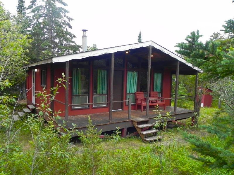 FEATURED LISTING: 41 Edith Road Lester Beach
