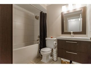 Photo 4: 241 BALMORAL Place in Port Moody: North Shore Pt Moody Townhouse for sale : MLS®# V1021007
