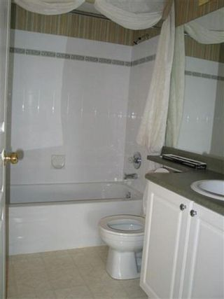 Photo 5: 333-9979 140th: House for sale (Whalley)