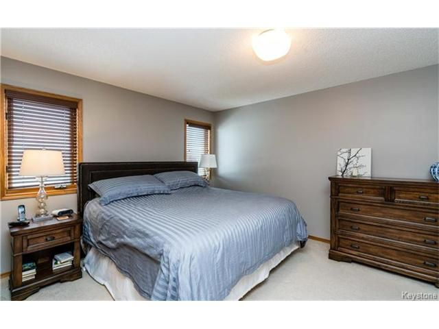 Photo 11: Photos: 35 Royal Park Crescent in Winnipeg: Southland Park Residential for sale (2K)  : MLS®# 1706238